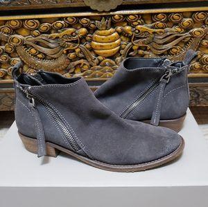 Dolce Vita Vesa Gray Suede Ankle Boot sz 8.5